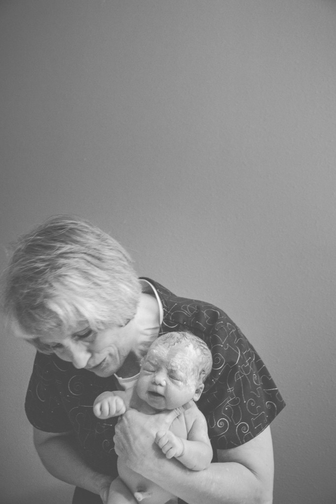 birth story photography | home birth | midwife | lifestyle photographer birth story photos | utah photographer | traveling photographer living on a bus |Best Day Ever photographer