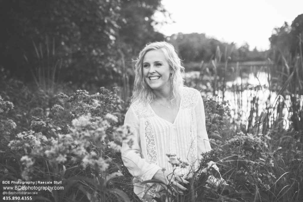 mini sessions | christmas card | family portraits | family photographer | traveling photographer living on a bus | vintage bus conversion | family of 7 | fall family pictures | west michigan photographer | michigan Photographer | south haven photographer | Caledonia photographer | Hastings photographer | south haven photographer | allegan high school | class of 2017